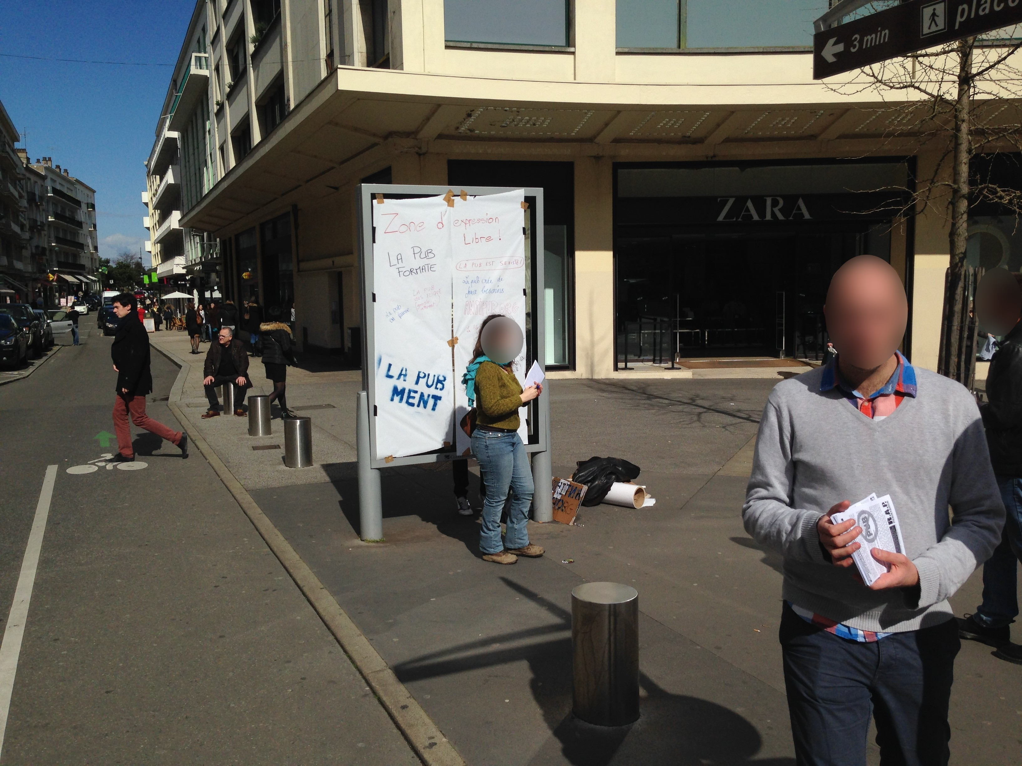 Action antipub à Nantes le samedi 25 mars 2015